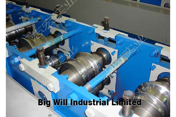 Roller shutter door roll forming machine.jpg