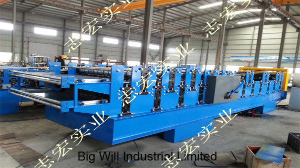 Chinese-double-layer-carriage forming machine.jpg